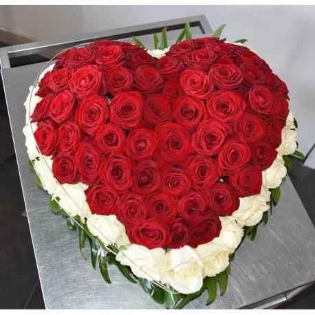 Coeur  roses rouges et blanches